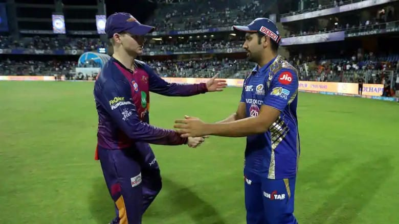 Steve Smith with Rohit Sharma with IPL Trophy